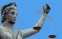 Mag ik zelf een advocaat kiezen met een rechtsbijstandverzekering?